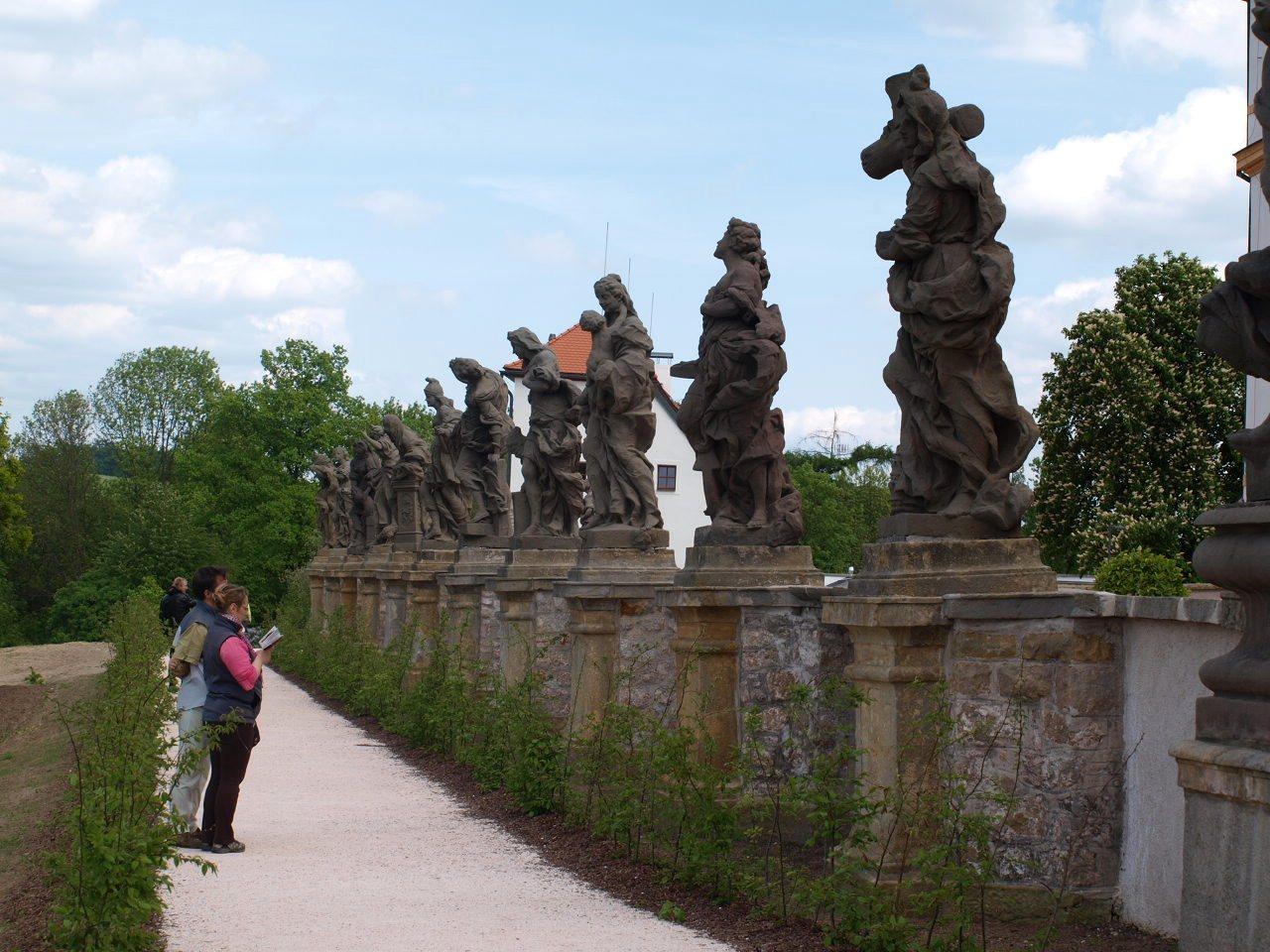 rzeźby brauna
