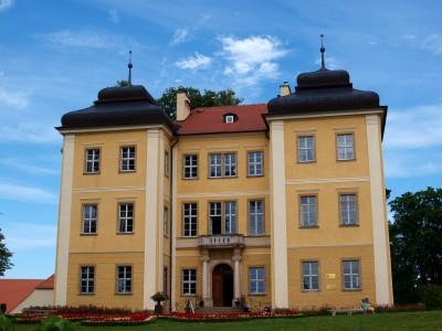 pałac i folwark w łomnicy